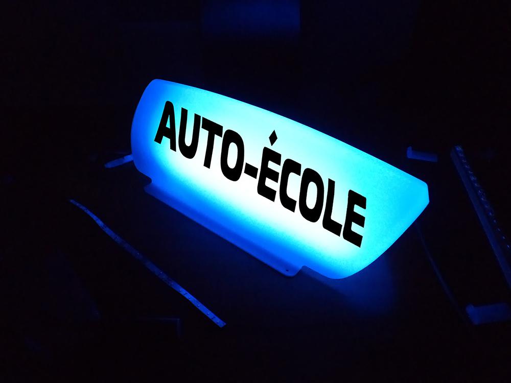 panneau de toit leaf lumineux led bleue enpc editions nationales du permis de conduire. Black Bedroom Furniture Sets. Home Design Ideas